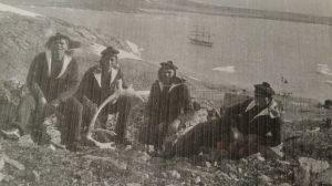 Marins du Pourquoi pas IV au Scoresby Sund © Collection personnelle